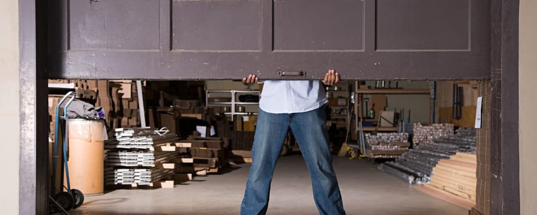 Garage Door Repair Utah: 5 Reasons To Hire Pros