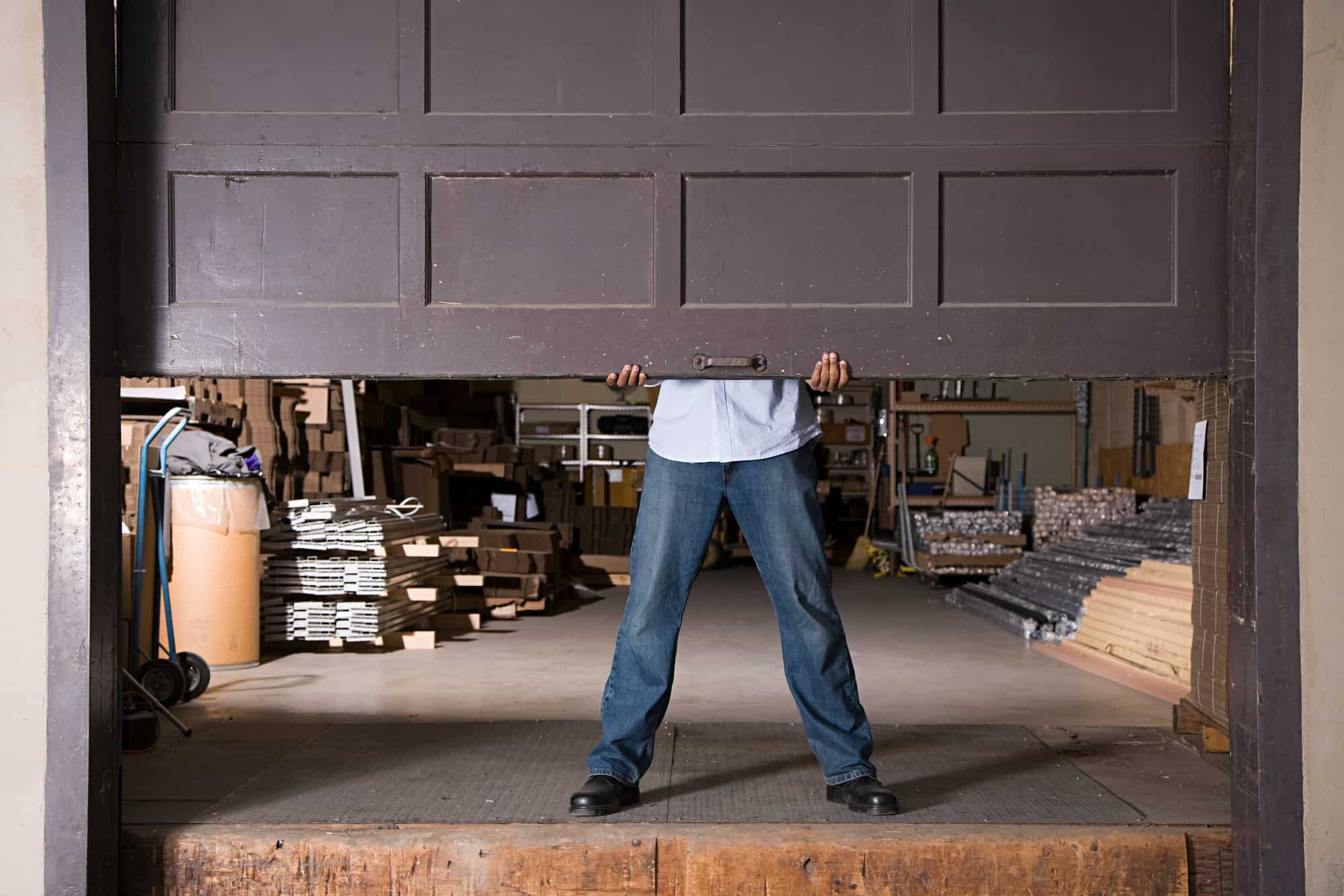 Garage door repair utah top 5 reasons to hire pros solutioingenieria Choice Image